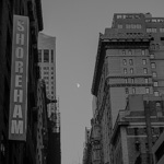 Moon over 55th st. | 21/11/2015